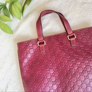 Large Gucci Leather Tote in Raspberry